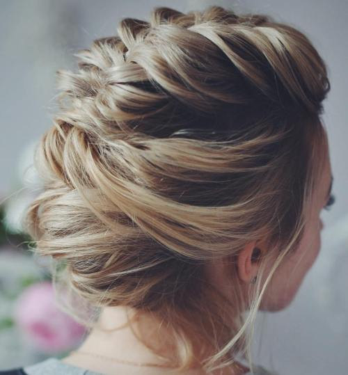 21 Best Prom Hairstyles for Short Hair to Make Some Noise in The Crowd